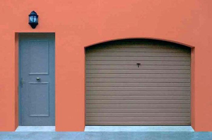 porte de garage non débordante